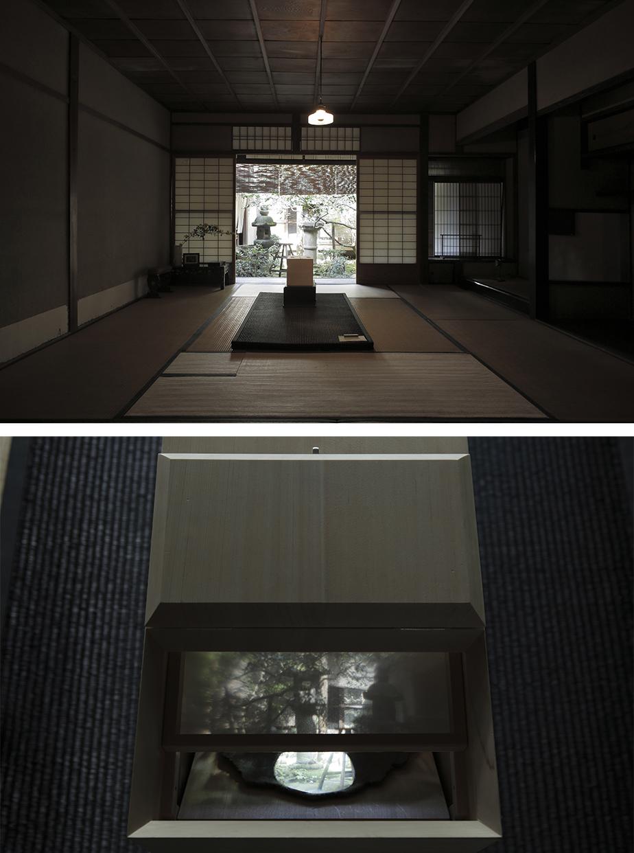 神具指物師の牧圭太朗、鏡師の山本晃久とともに、本展のために制作したカメラ・オブスキュラ。覗くと庭が映し出される。
