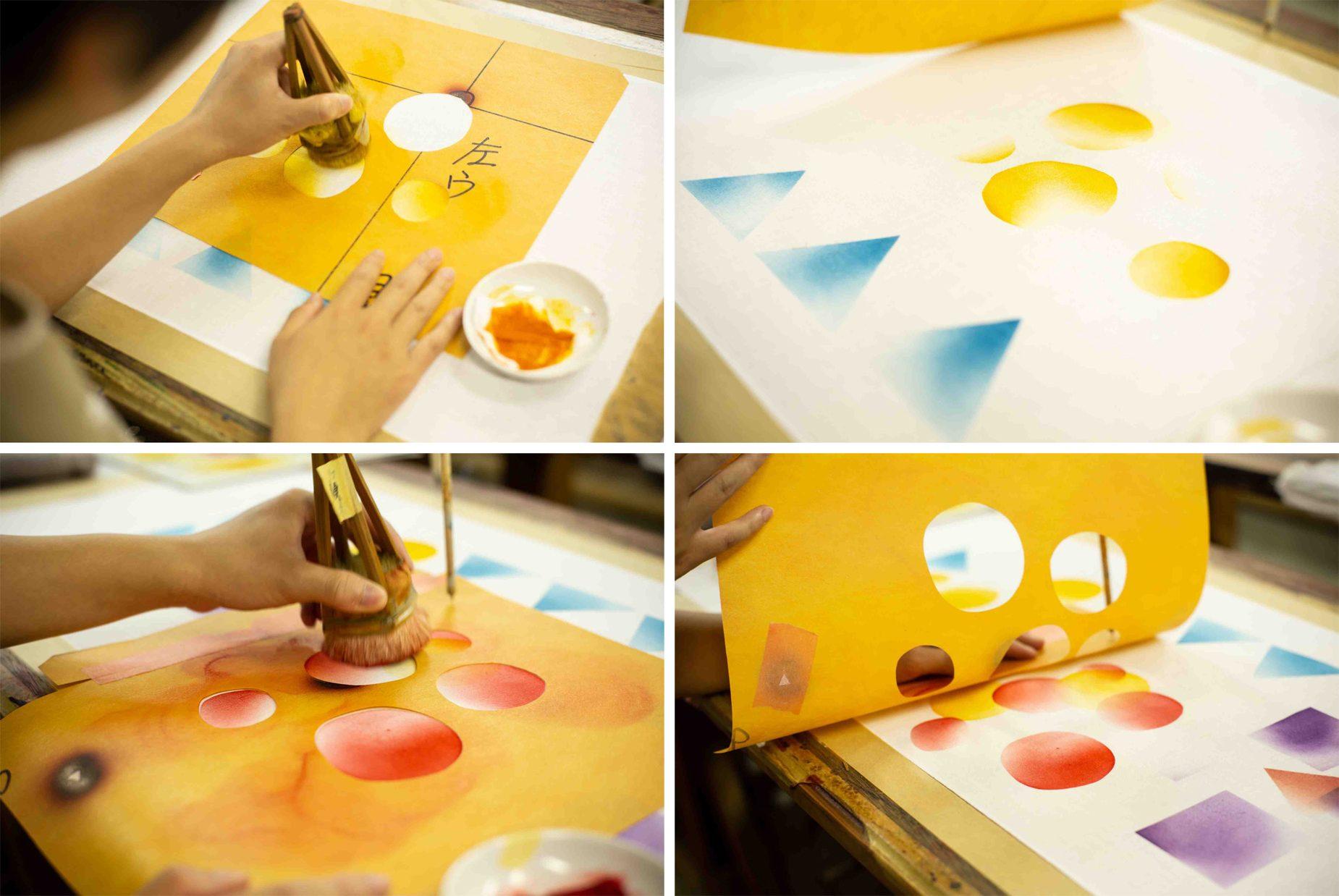 好きな型紙を選び、一型ずつ柄を重ねていくことでオリジナルの手ぬぐいが出来上がっていきます。